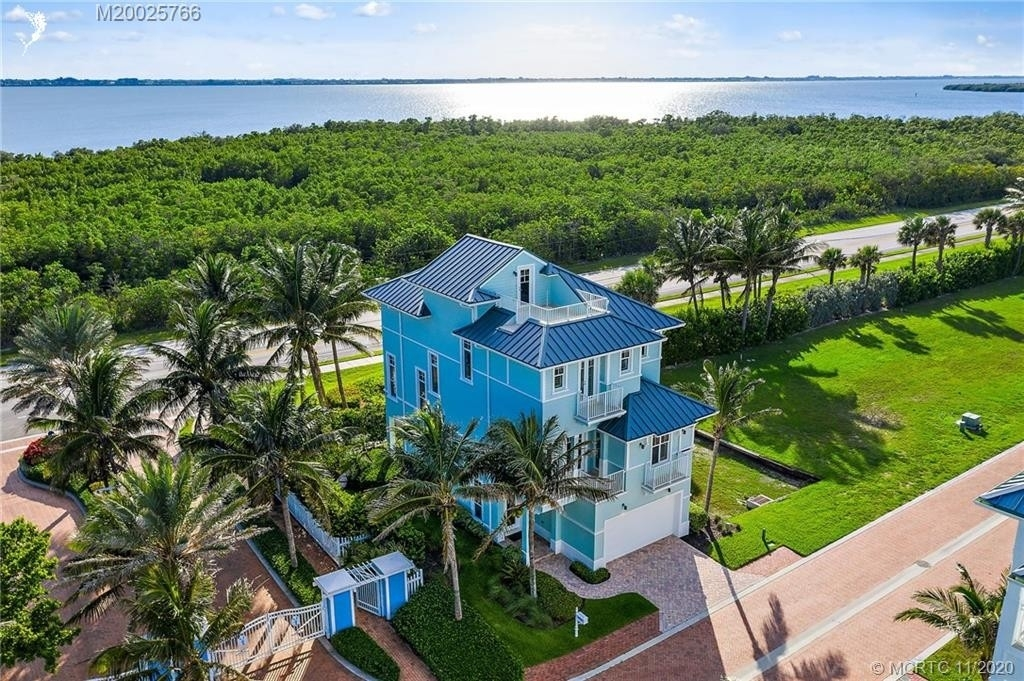 Single Family Home for Sale at Hutchinson Island South, FL 34949