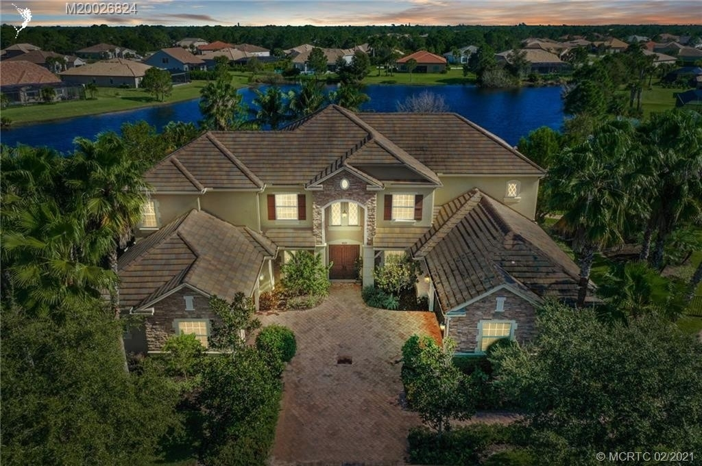 10. Single Family Homes for Sale at Palm City, FL 34990