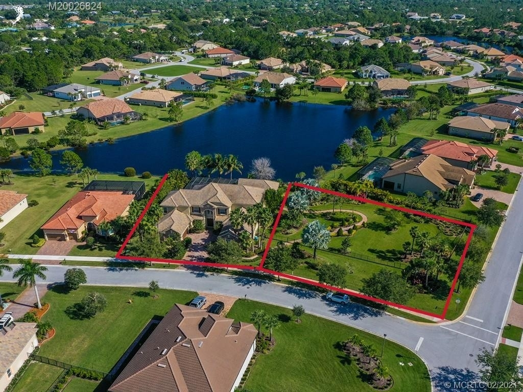 11. Single Family Homes for Sale at Palm City, FL 34990
