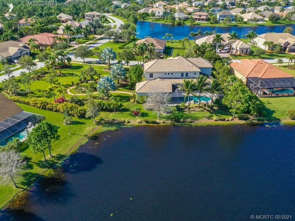 13. Single Family Homes for Sale at Palm City, FL 34990