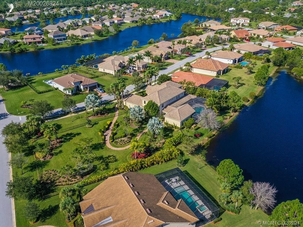 14. Single Family Homes for Sale at Palm City, FL 34990