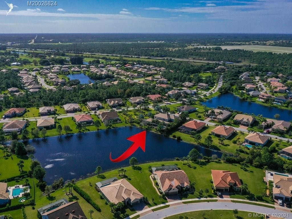 18. Single Family Homes for Sale at Palm City, FL 34990