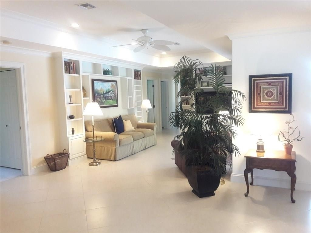 24. Single Family Homes for Sale at The Yacht and Country Club, Stuart, FL 34997