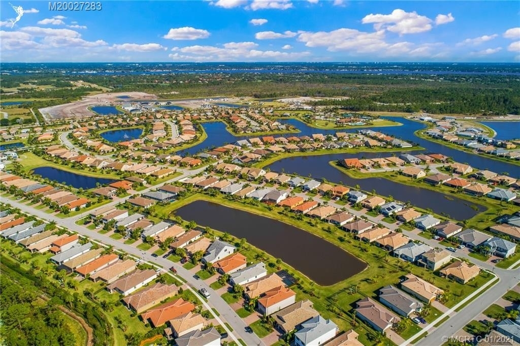 29. Single Family Homes for Sale at Port St. Lucie, FL 34984