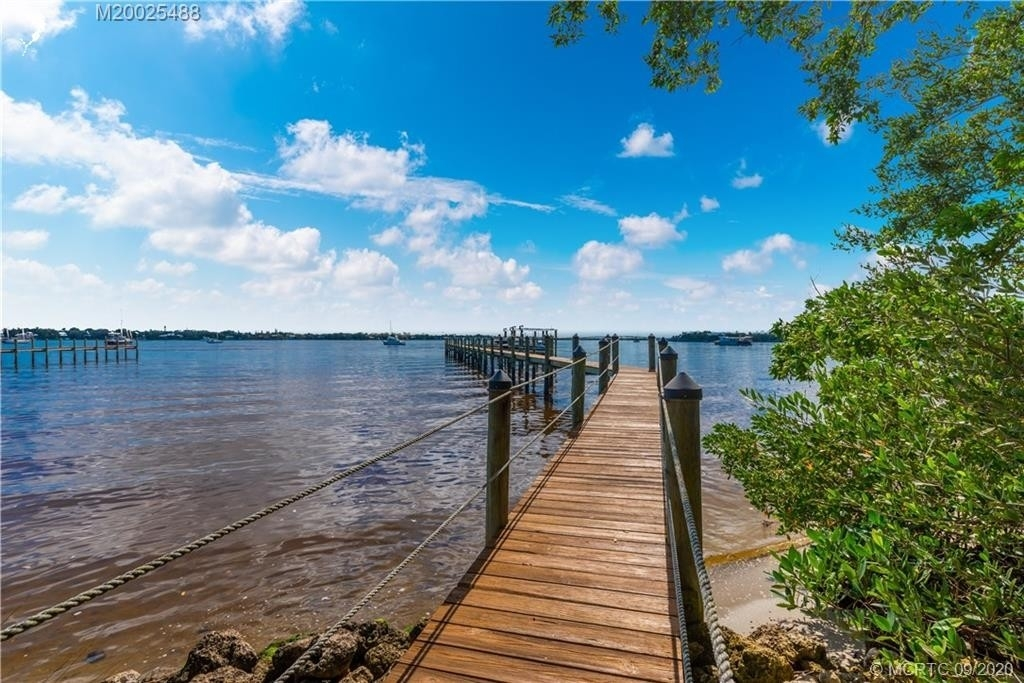 36. Single Family Homes for Sale at Palm City, FL 34990