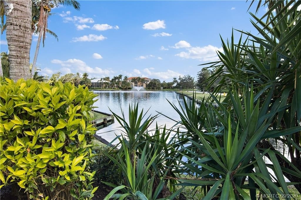 6. Single Family Homes for Sale at Palm City, FL 34990