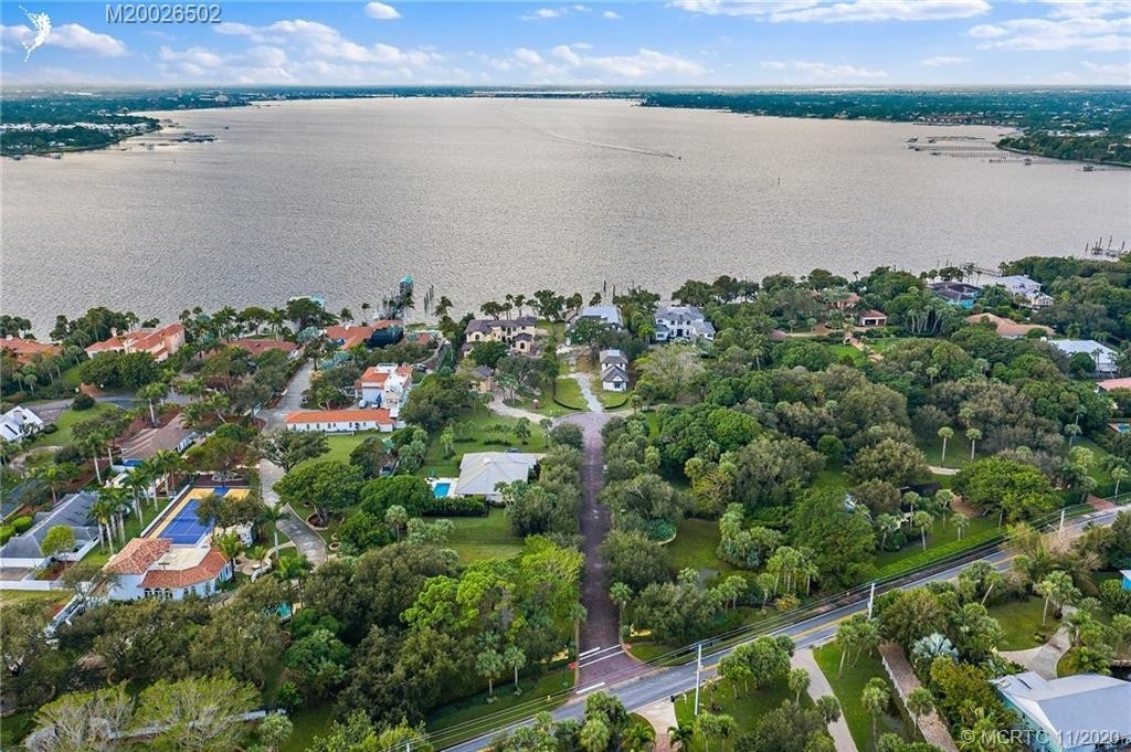 6. Single Family Homes for Sale at Stuart, FL 34996