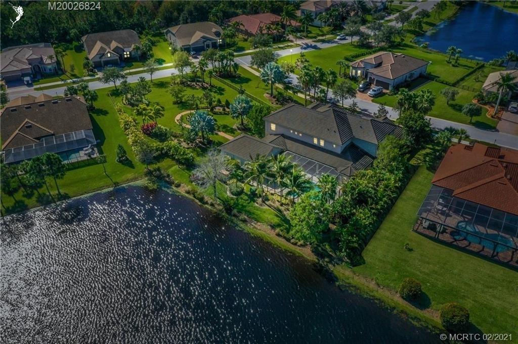 7. Single Family Homes for Sale at Palm City, FL 34990