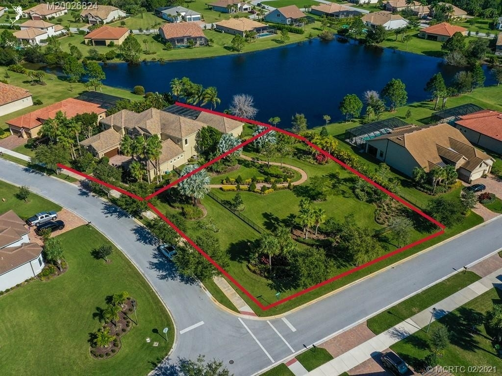8. Single Family Homes for Sale at Palm City, FL 34990
