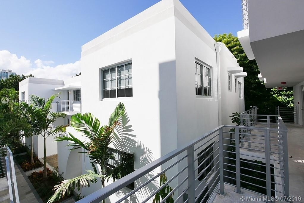 Property at 643 Jefferson Ave , 11 Miami Beach