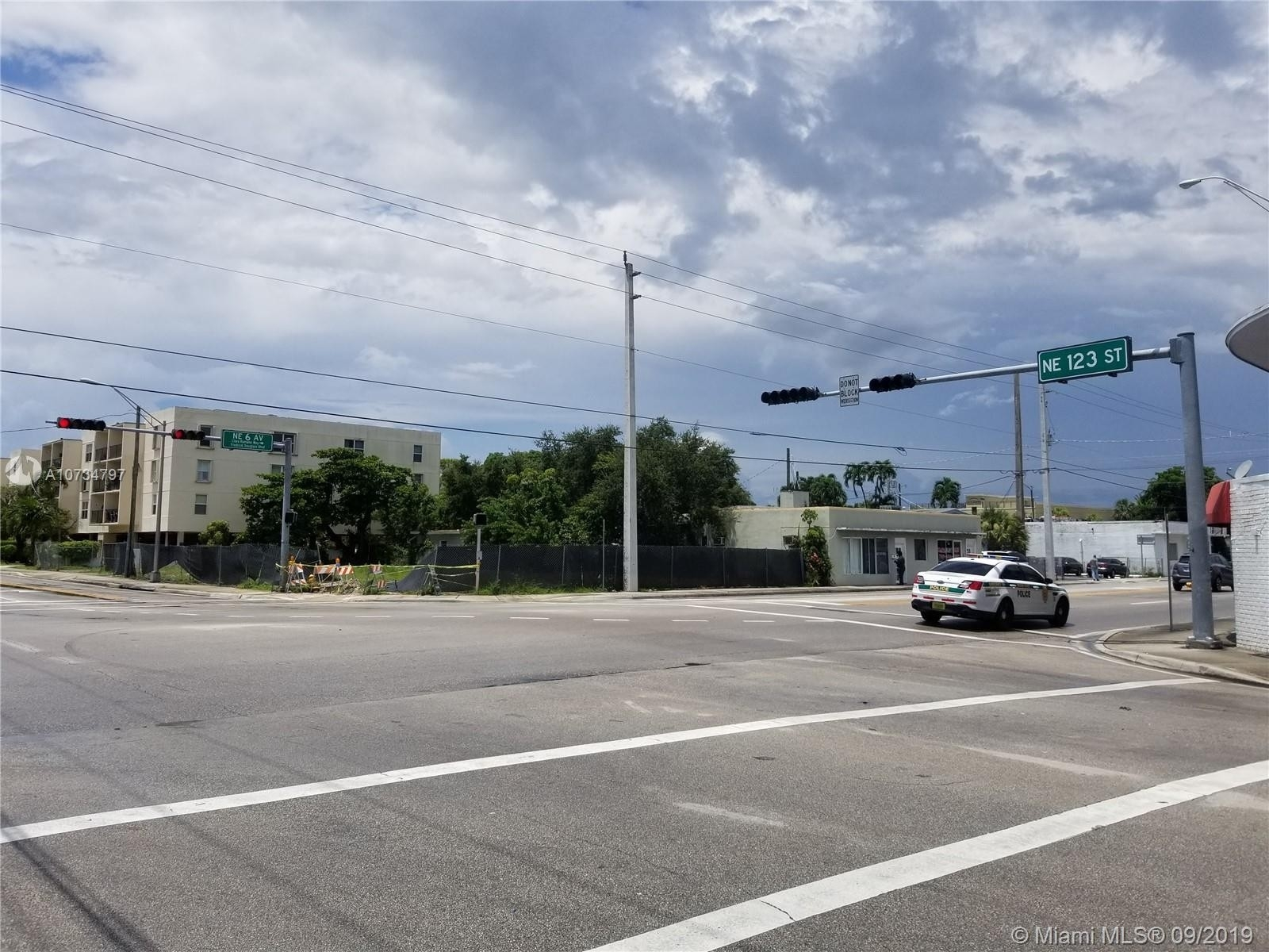Commercial for Sale at Downtown North Miami, North Miami, FL 33161