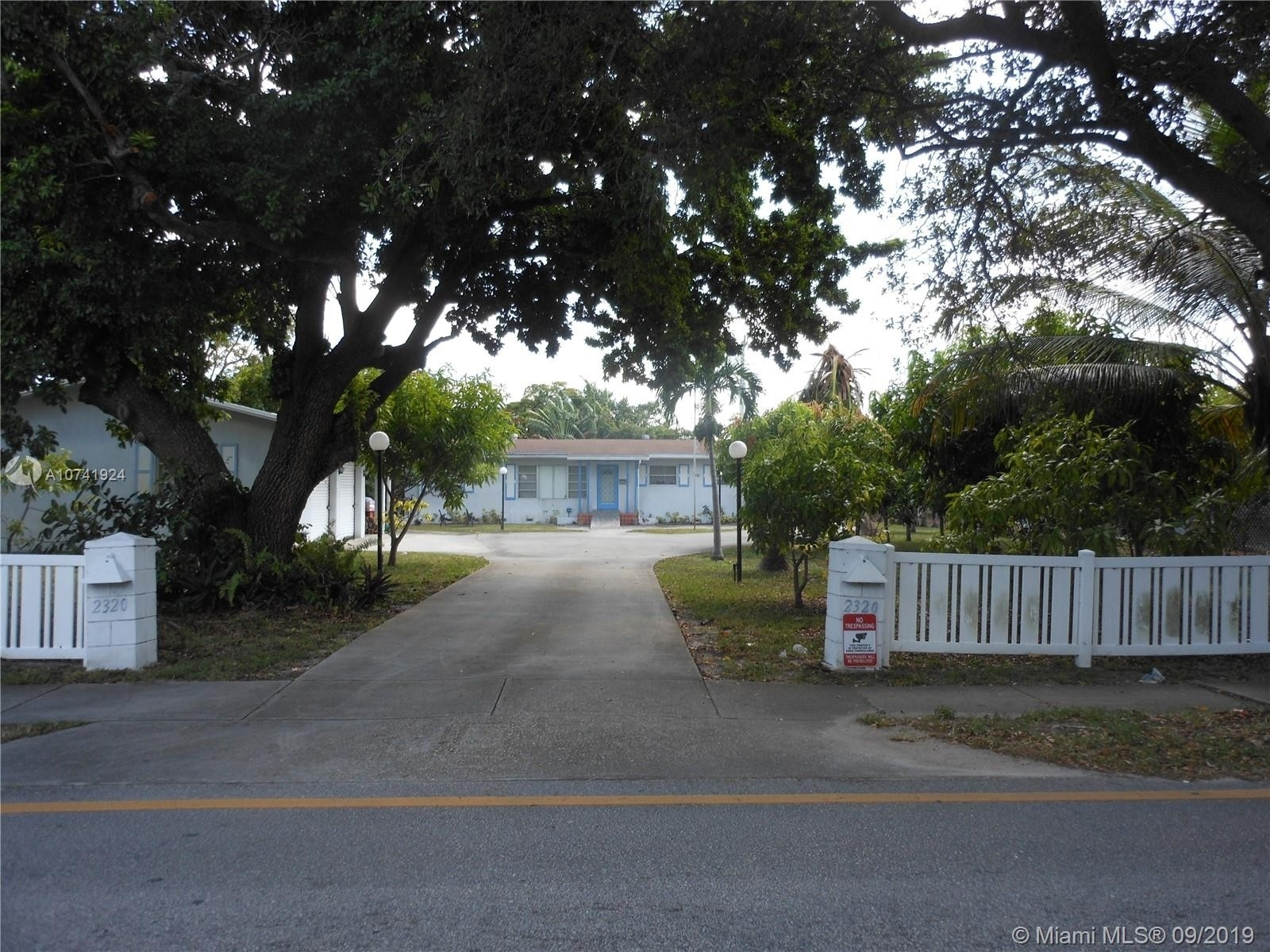 Otro por un Venta en North Central Hollywood, Hollywood, FL 33020