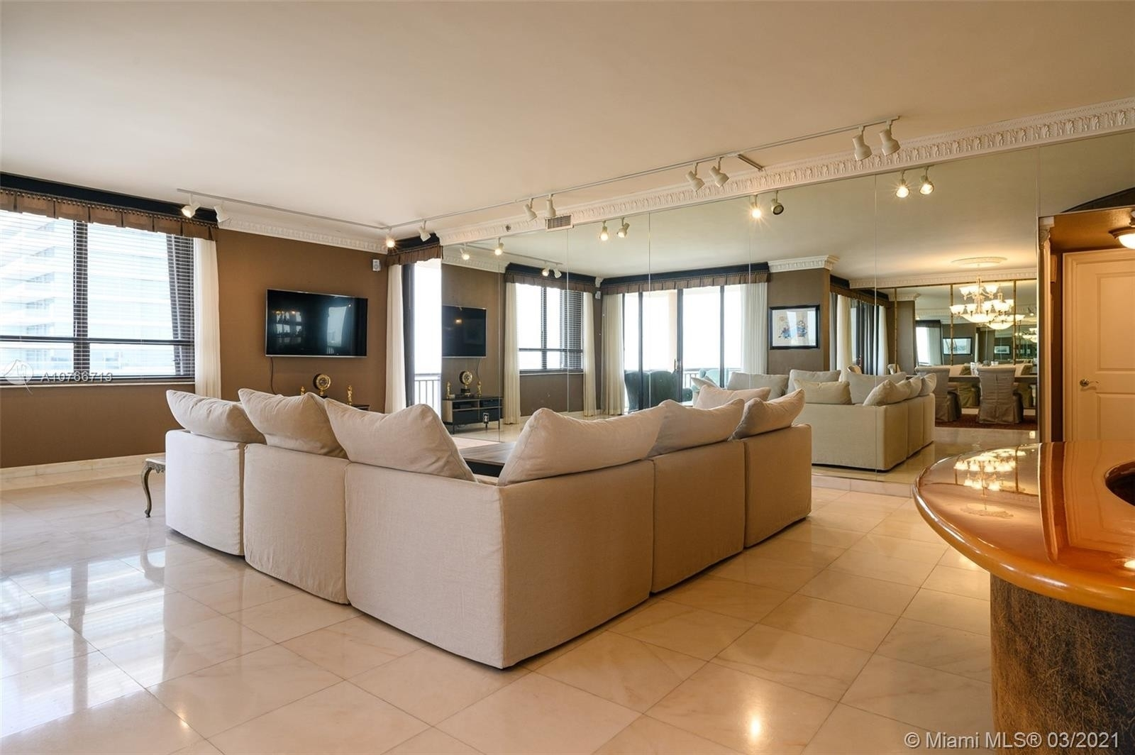 1. Condominiums for Sale at 10175 Collins Ave , PH5 Bal Harbour, FL 33154