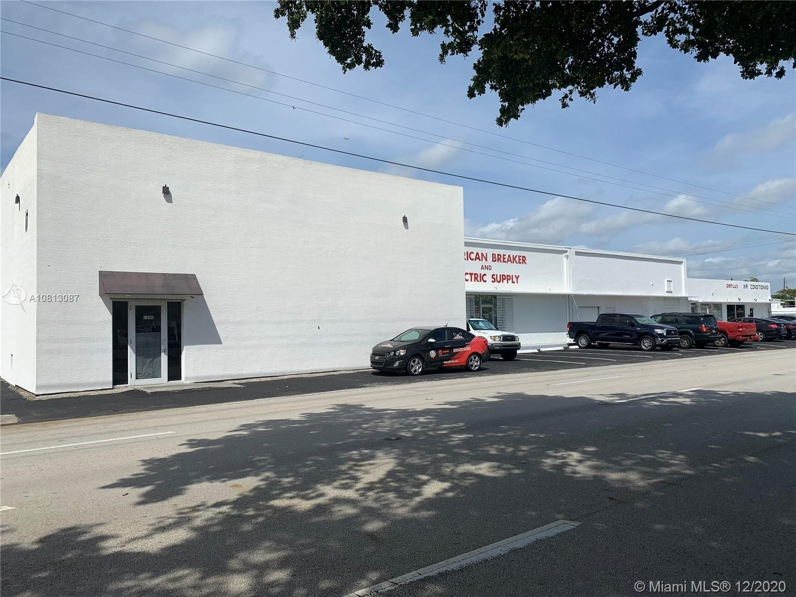 Comercial / Oficina por un Venta en North Central Hollywood, Hollywood, FL 33020