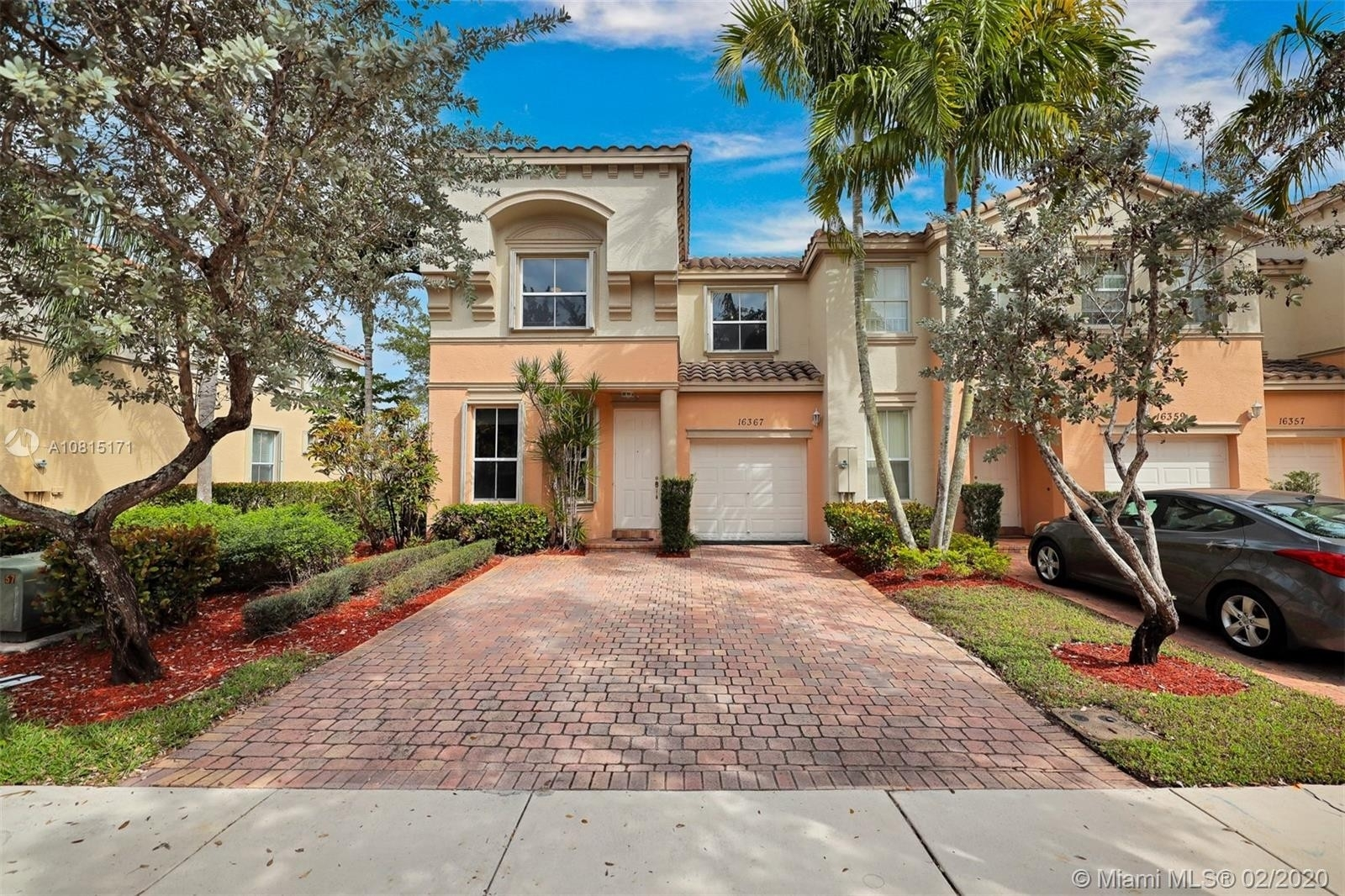 Single Family Townhouse for Sale at Country Lakes, Miramar, FL 33027