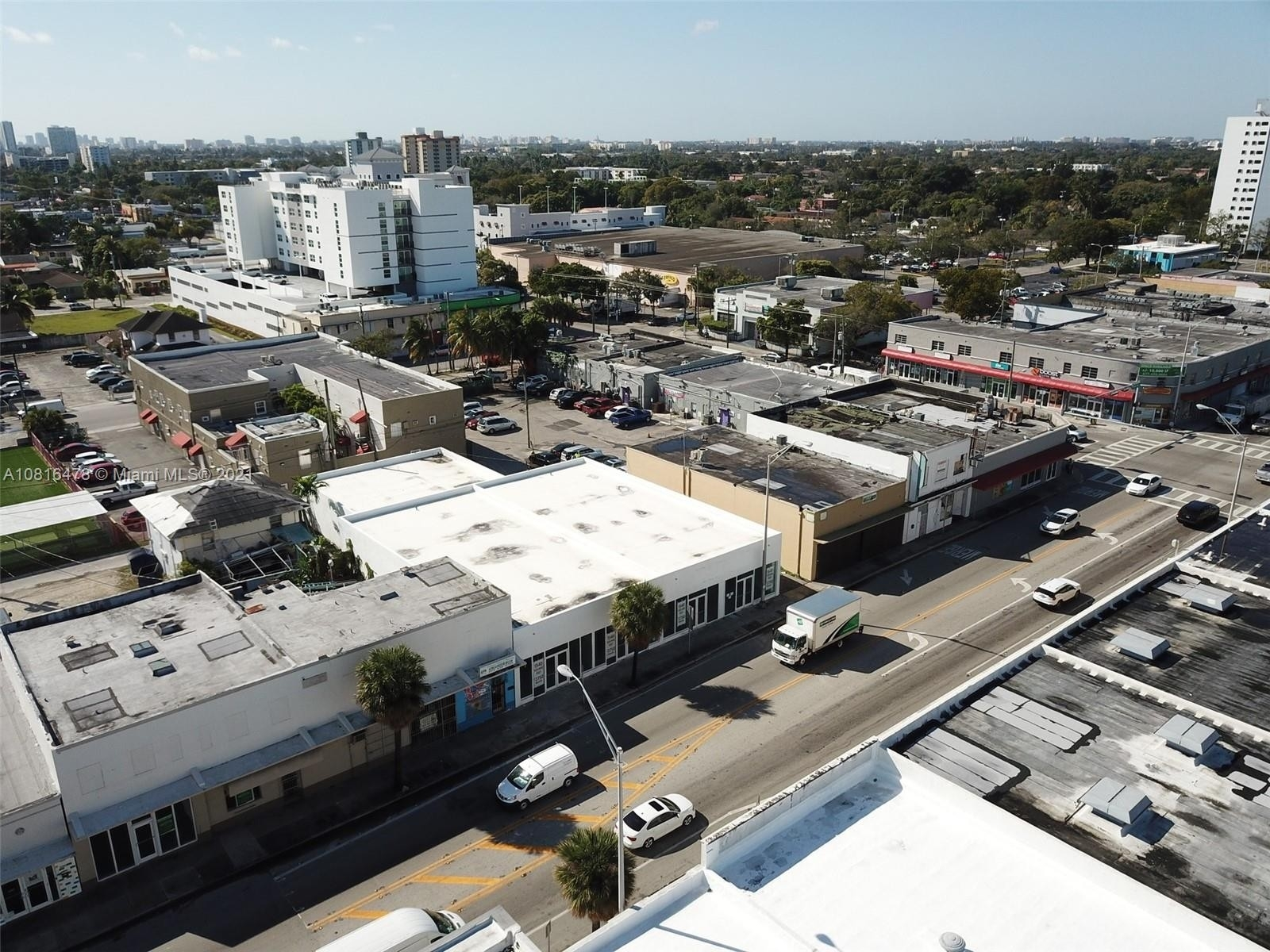 3. Commercial / Office por un Venta en Beverly Heights, Miami, FL 33142