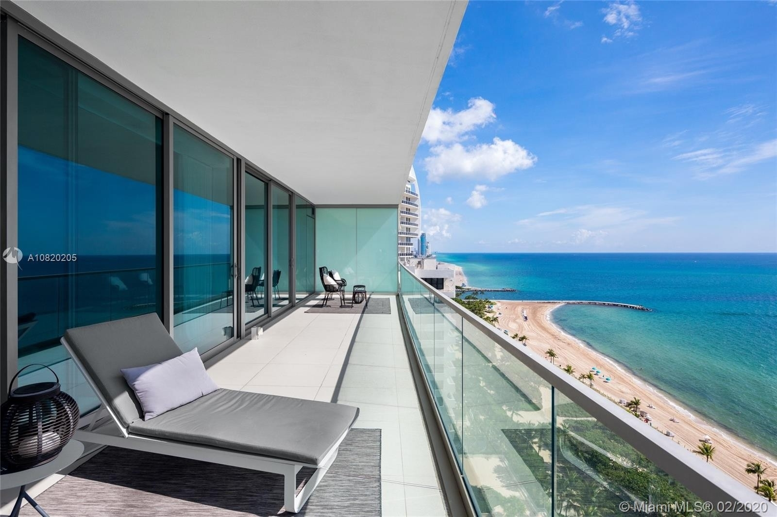 Condominium à 10203 Collins Ave. , 1902N Bal Harbour, FL 33154