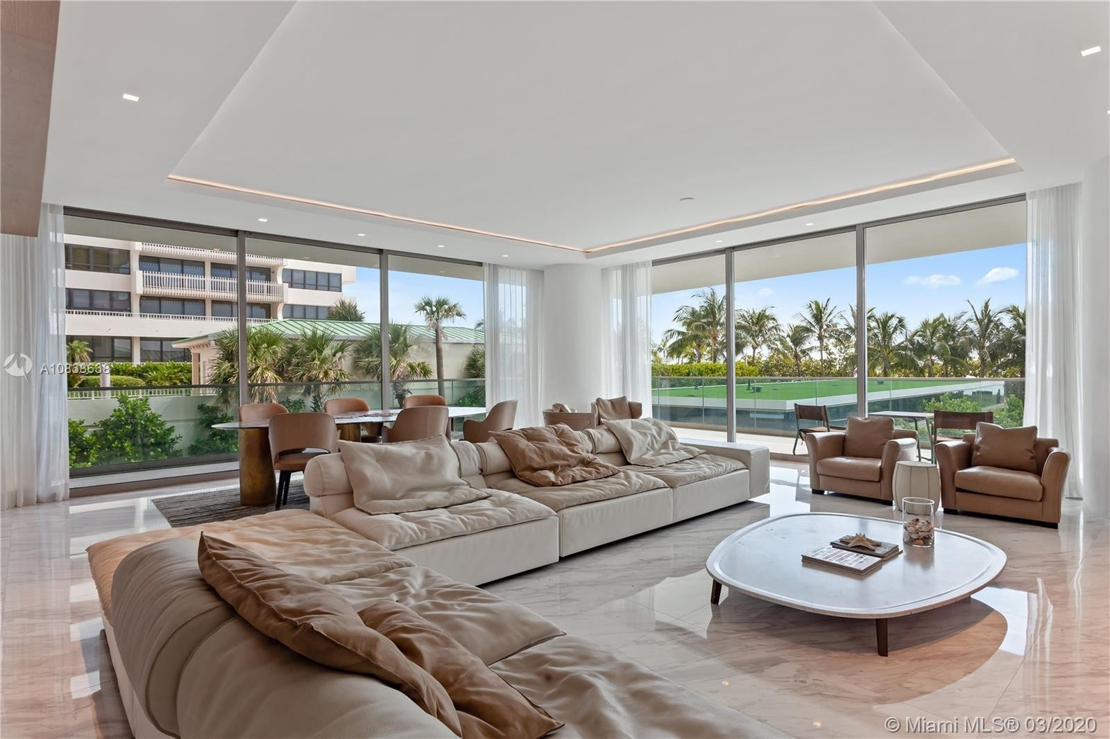 Property в 10203 Collins Ave , 201 Bal Harbour, FL 33154