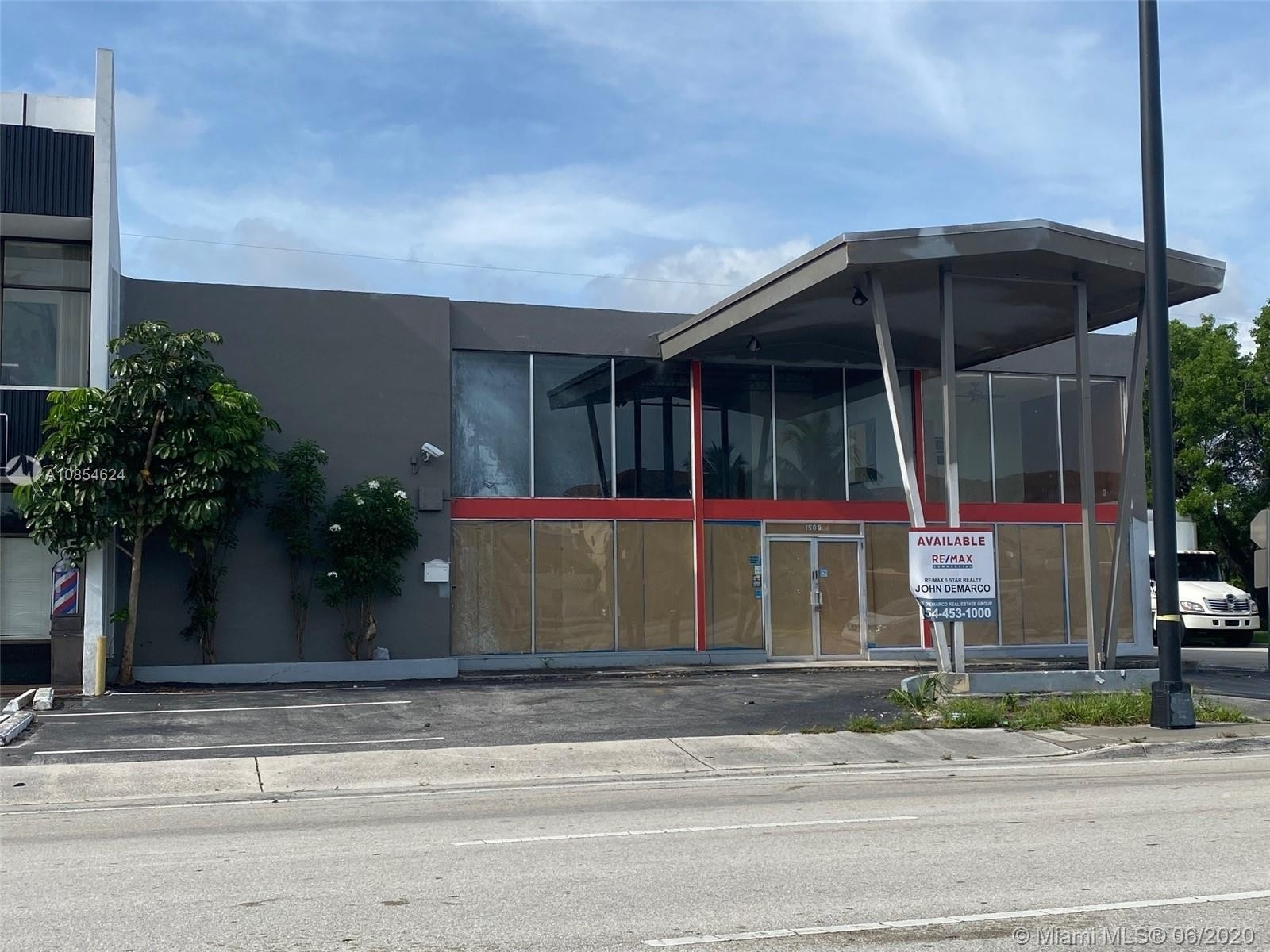 Commercial / Office for Sale at North Corals, Oakland Park, FL 33334
