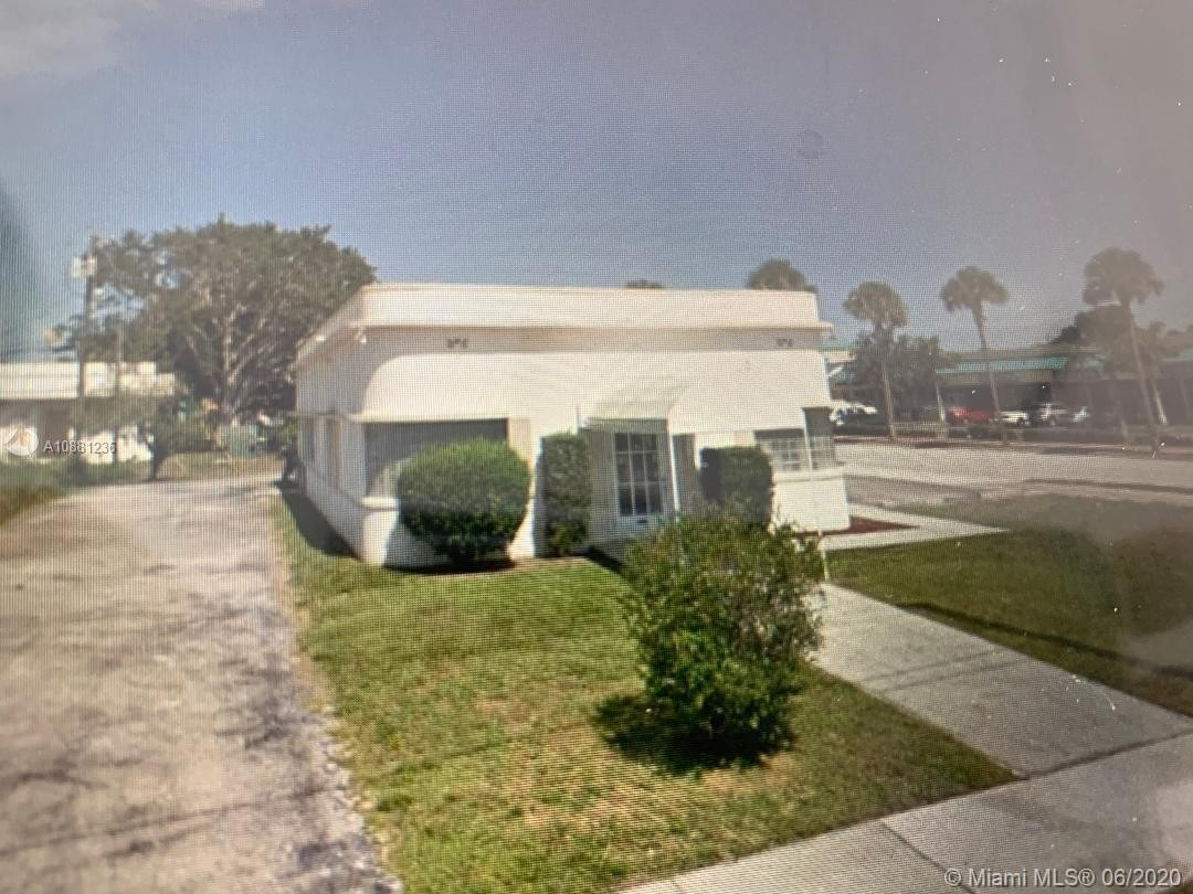 Property 在 Downtown Fort Pierce, Fort Pierce, FL 34950