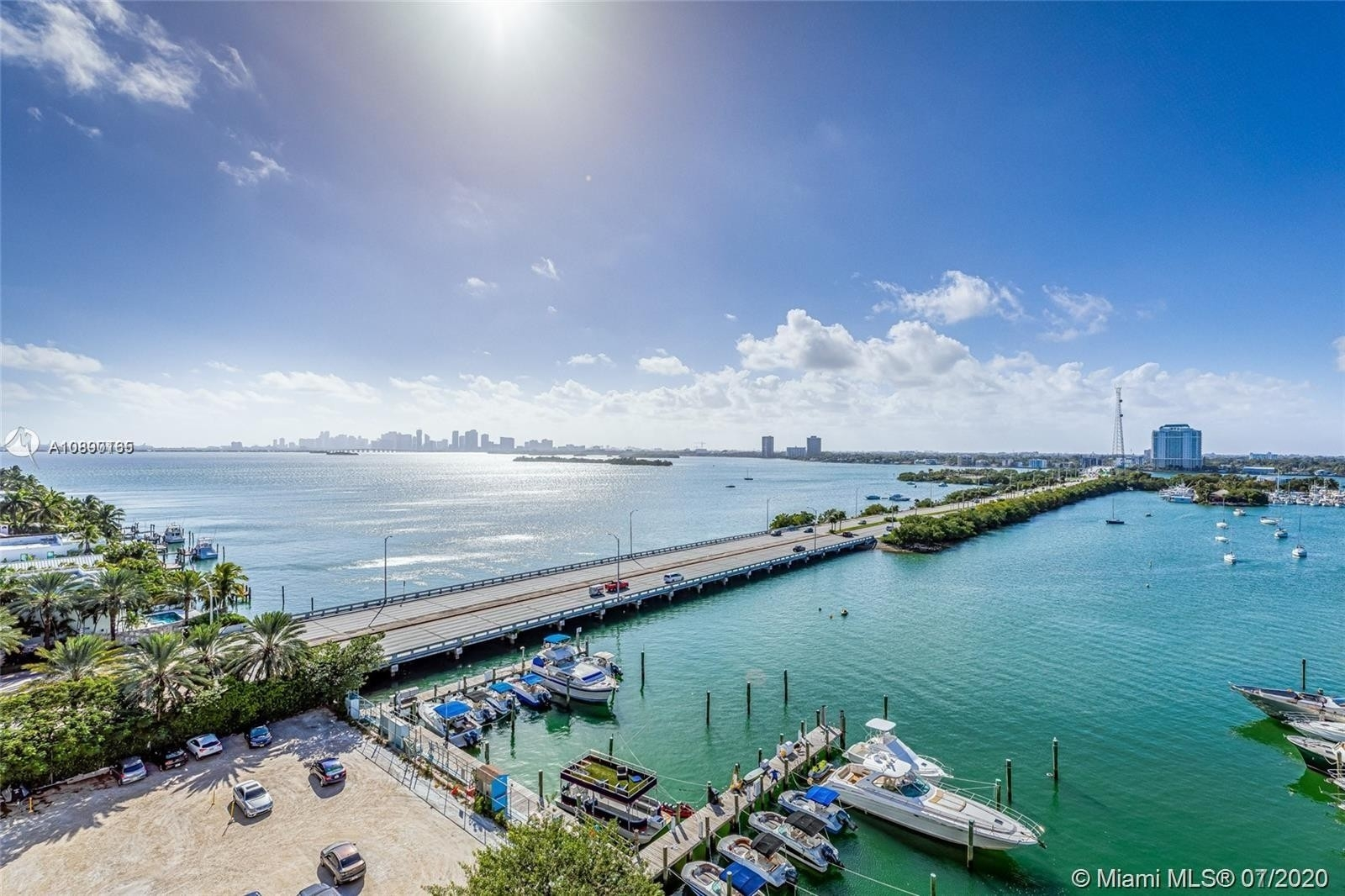 Condominium в 7904 West Dr , 708 North Bay Village, FL 33141