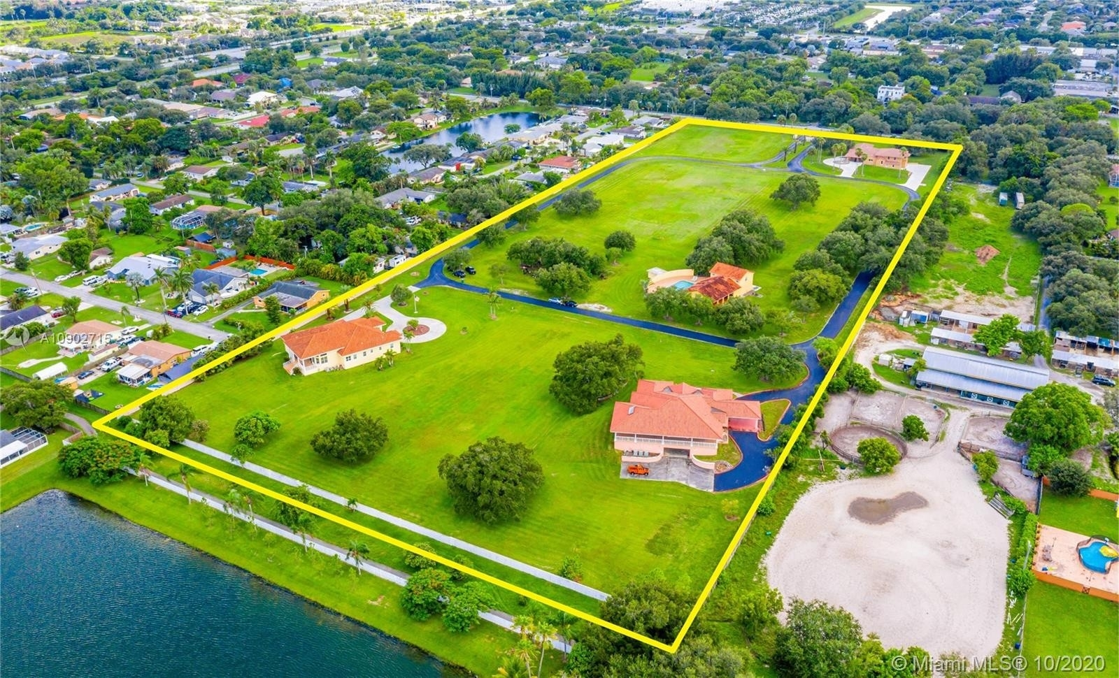 Single Family Home for Sale at Davie, FL 33314