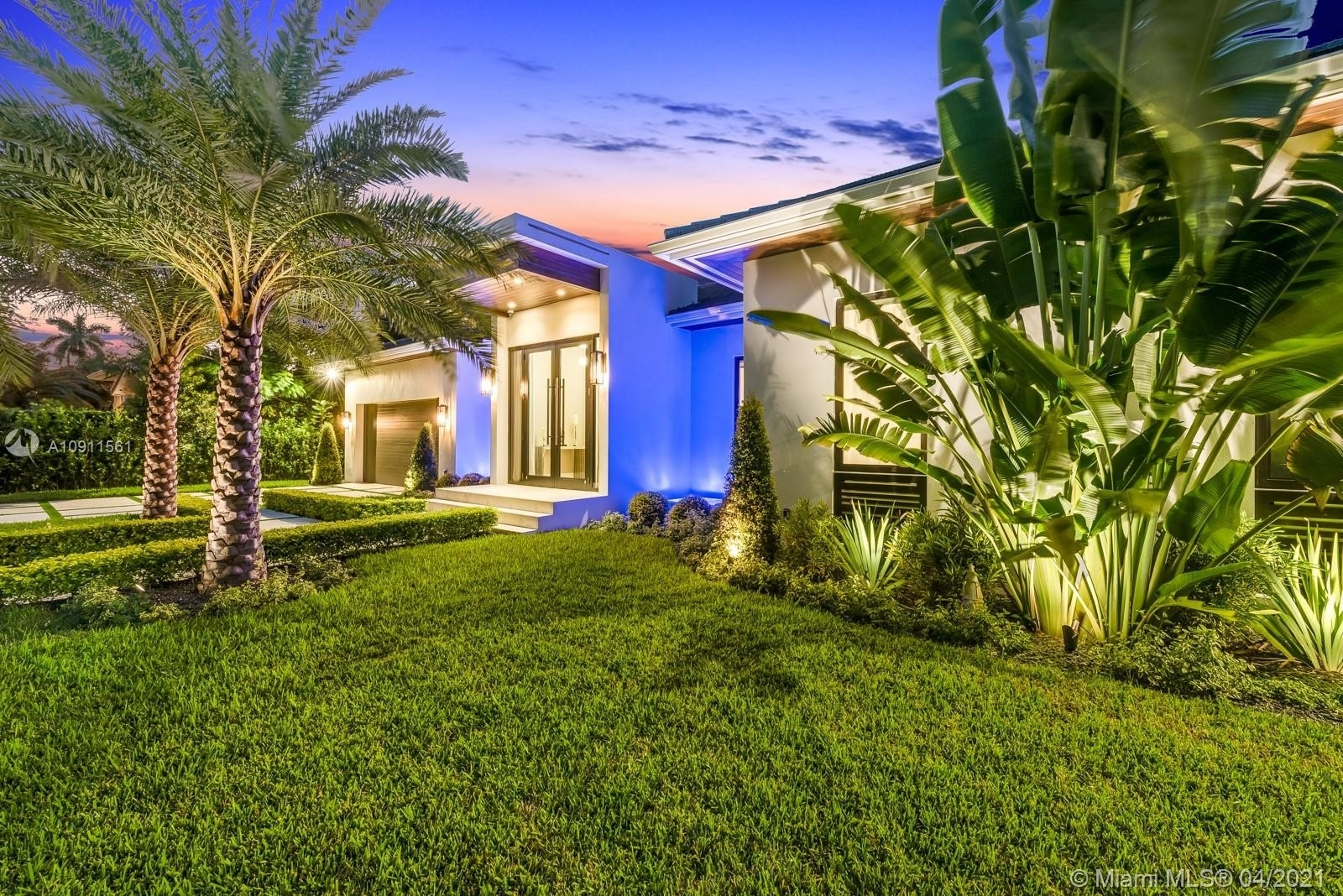 6. Single Family Homes for Sale at Riviera, Coral Gables, FL 33146