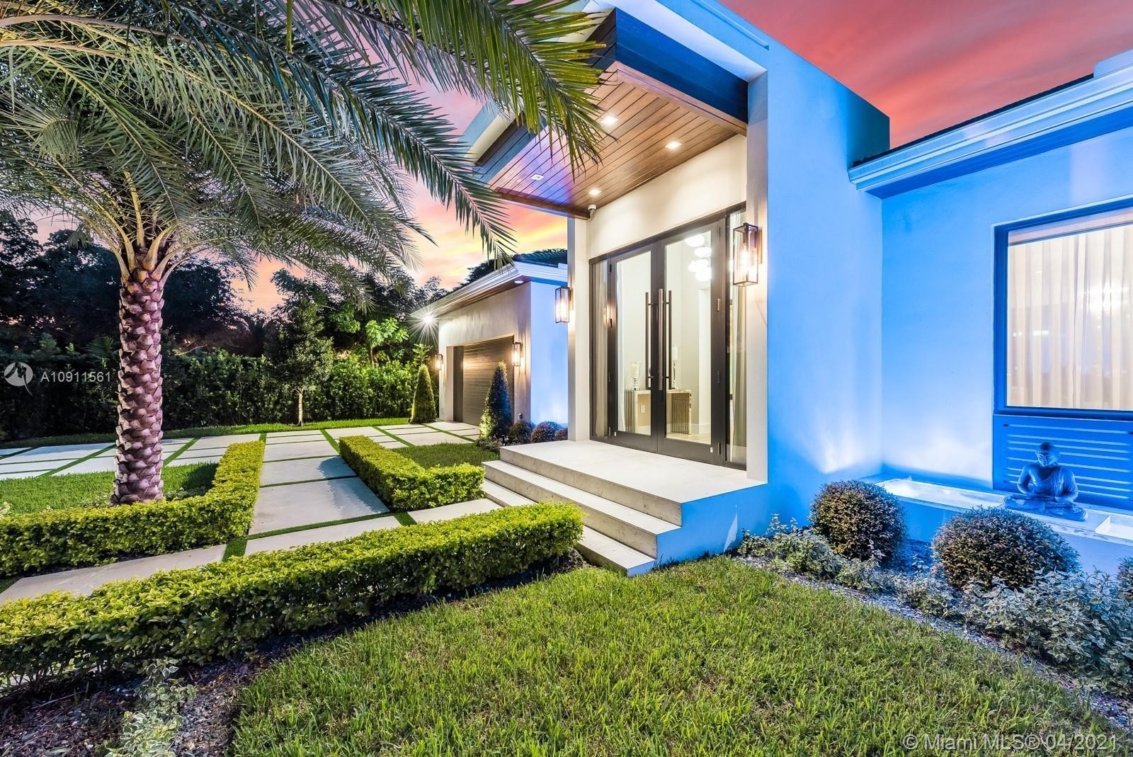 7. Single Family Homes for Sale at Riviera, Coral Gables, FL 33146