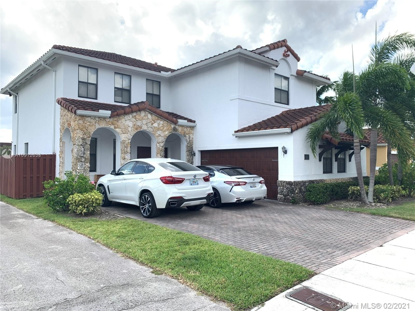 Single Family Home for Sale at Fontainebleau Park West, Miami, FL 33172