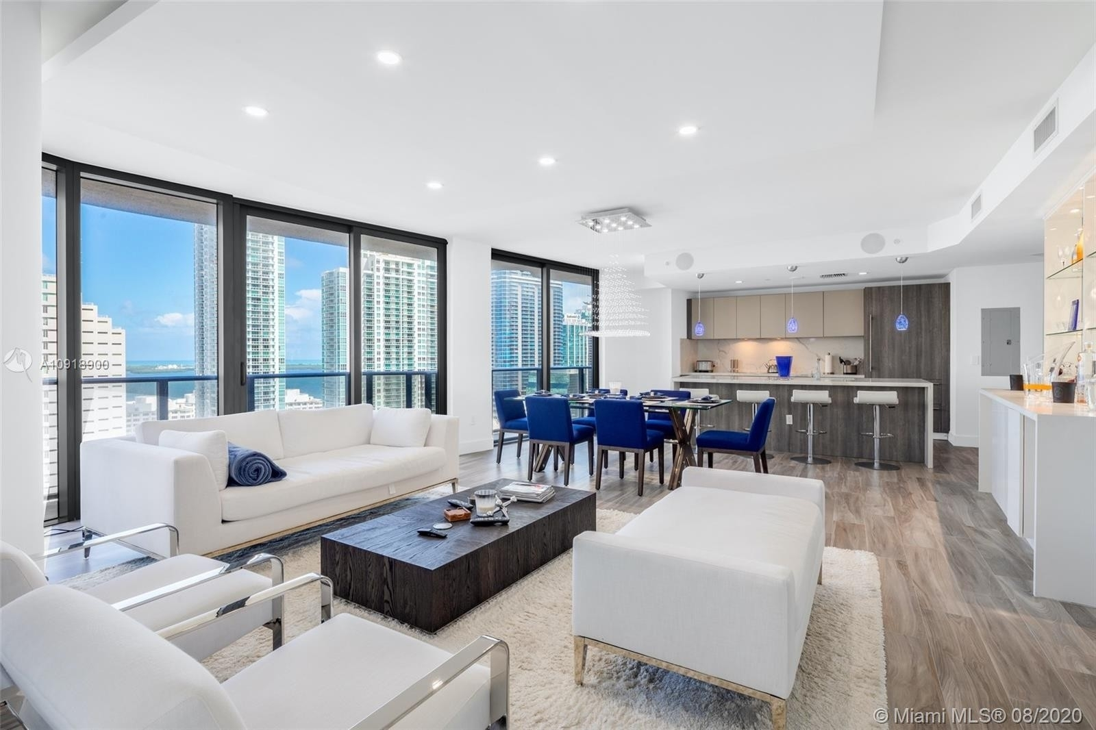 Condominium pour l Vente à 801 S Miami Ave , 2605/06 Miami Financial District, Miami, FL 33130