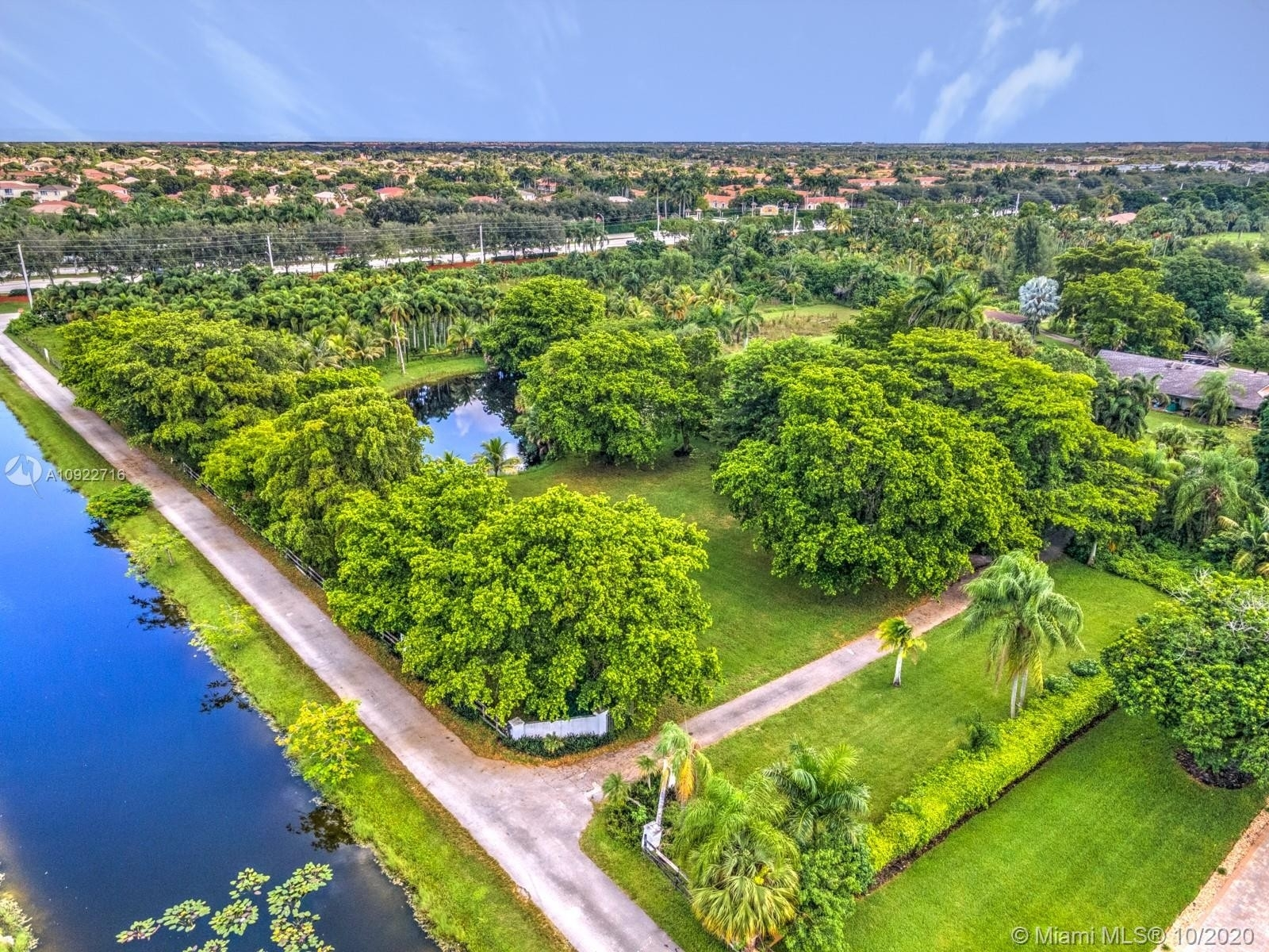 Single Family Home for Sale at Country Club Ranches, Miramar, FL 33027