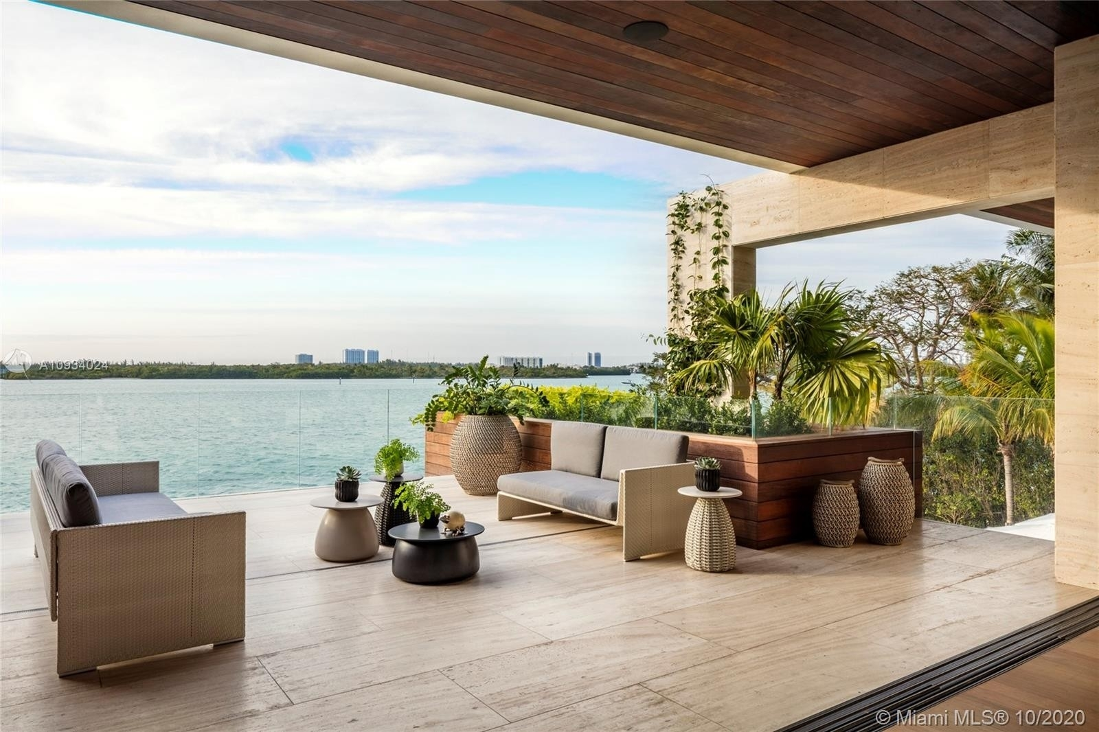 19. Single Family Homes for Sale at Bal Harbour, FL 33154