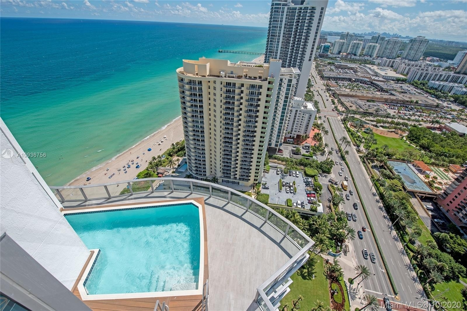25. Condominiums for Sale at 17475 Collins Ave , 2602 Sunny Isles Beach, FL 33160