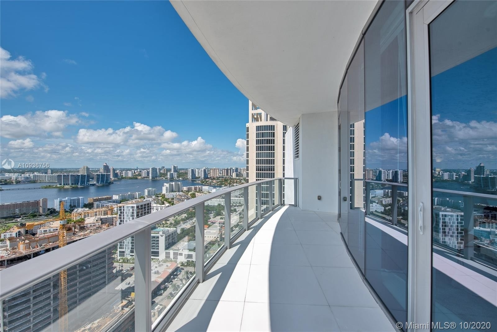21. Condominiums for Sale at 17475 Collins Ave , 2602 Sunny Isles Beach, FL 33160