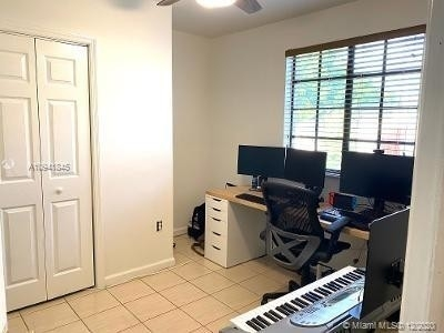 25. Single Family Homes for Sale at Palm Springs North, Hialeah, FL 33015