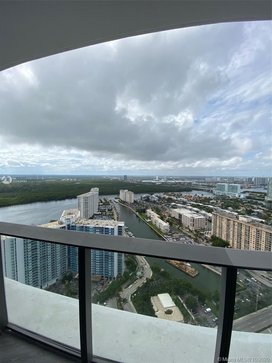 17. Condominiums for Sale at 15701 Collins ave , 3503 Sunny Isles Beach, FL 33160