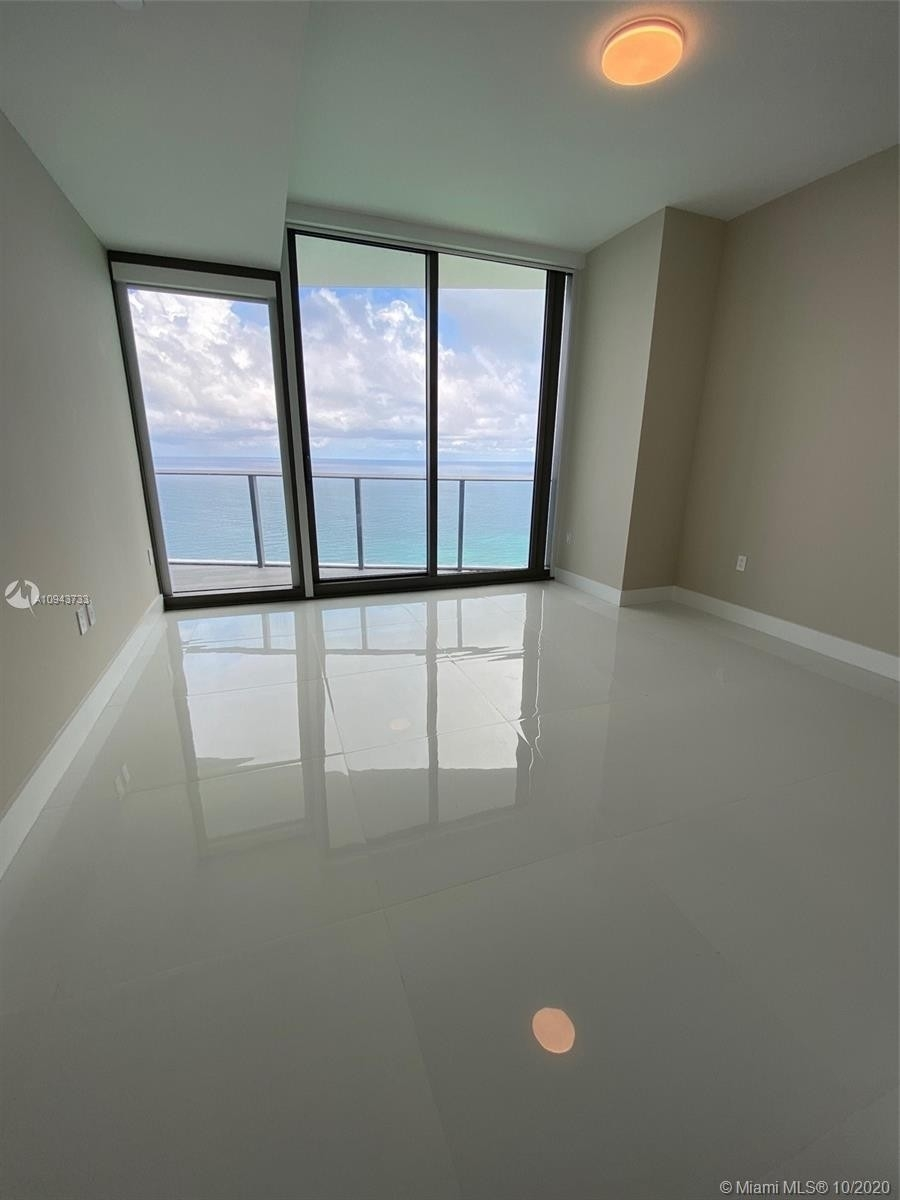 7. Condominiums for Sale at 15701 Collins ave , 3503 Sunny Isles Beach, FL 33160