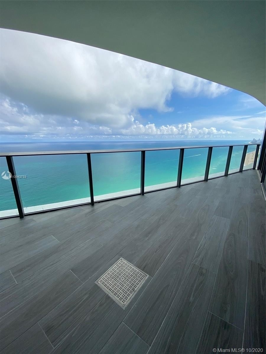 1. Condominiums for Sale at 15701 Collins ave , 3503 Sunny Isles Beach, FL 33160