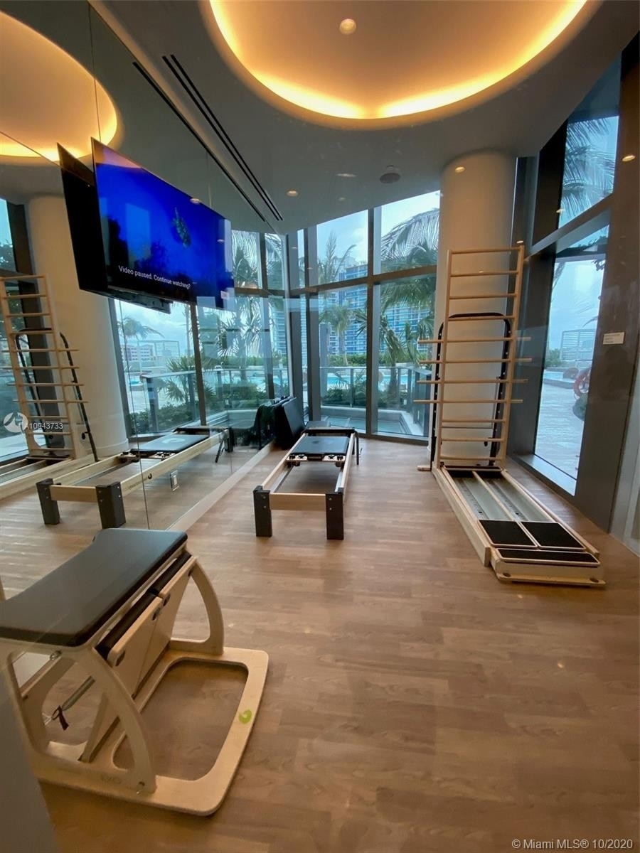 29. Condominiums for Sale at 15701 Collins ave , 3503 Sunny Isles Beach, FL 33160