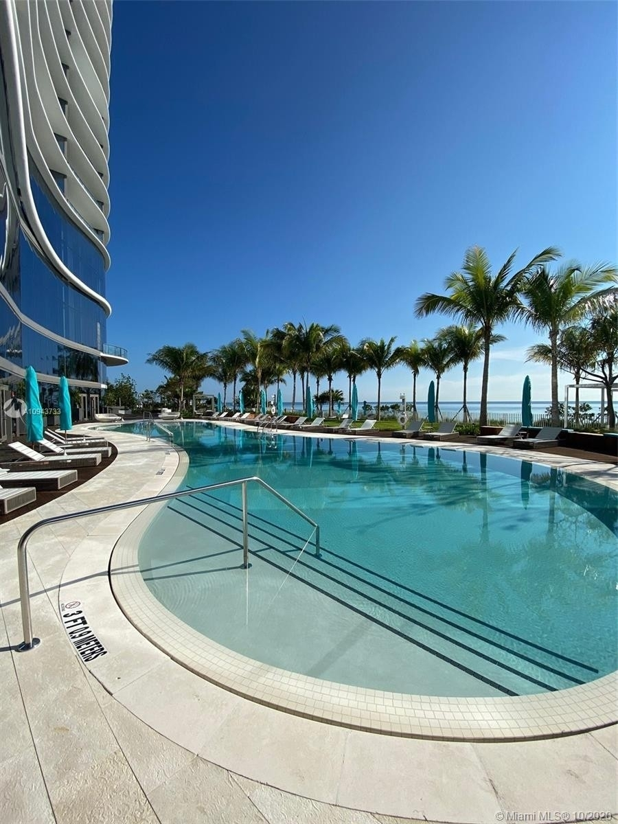 21. Condominiums for Sale at 15701 Collins ave , 3503 Sunny Isles Beach, FL 33160