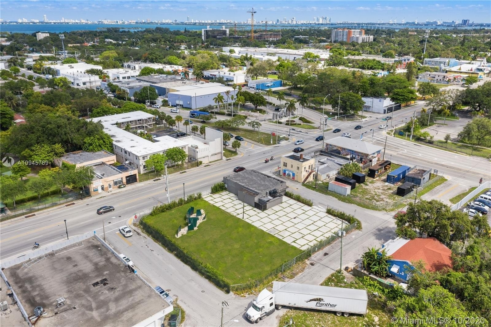 Commercial / Office for Sale at Creole District, Miami, FL 33138
