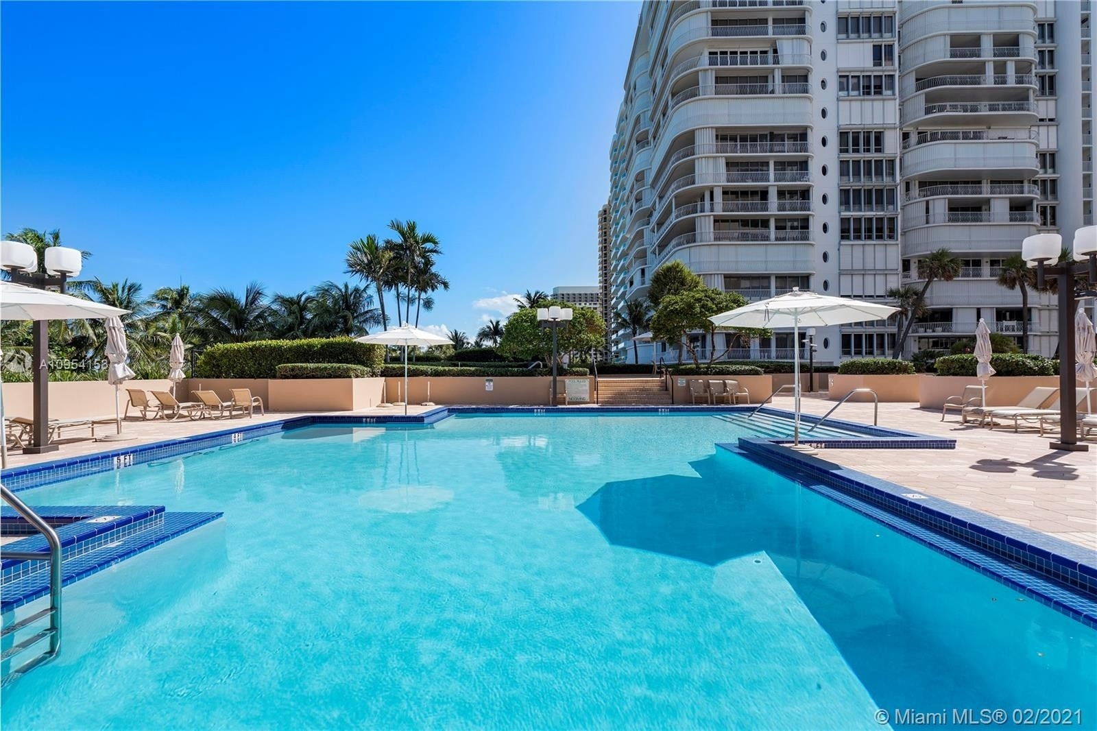 20. Condominiums for Sale at 10175 Collins Ave , 102 Bal Harbour, FL 33154