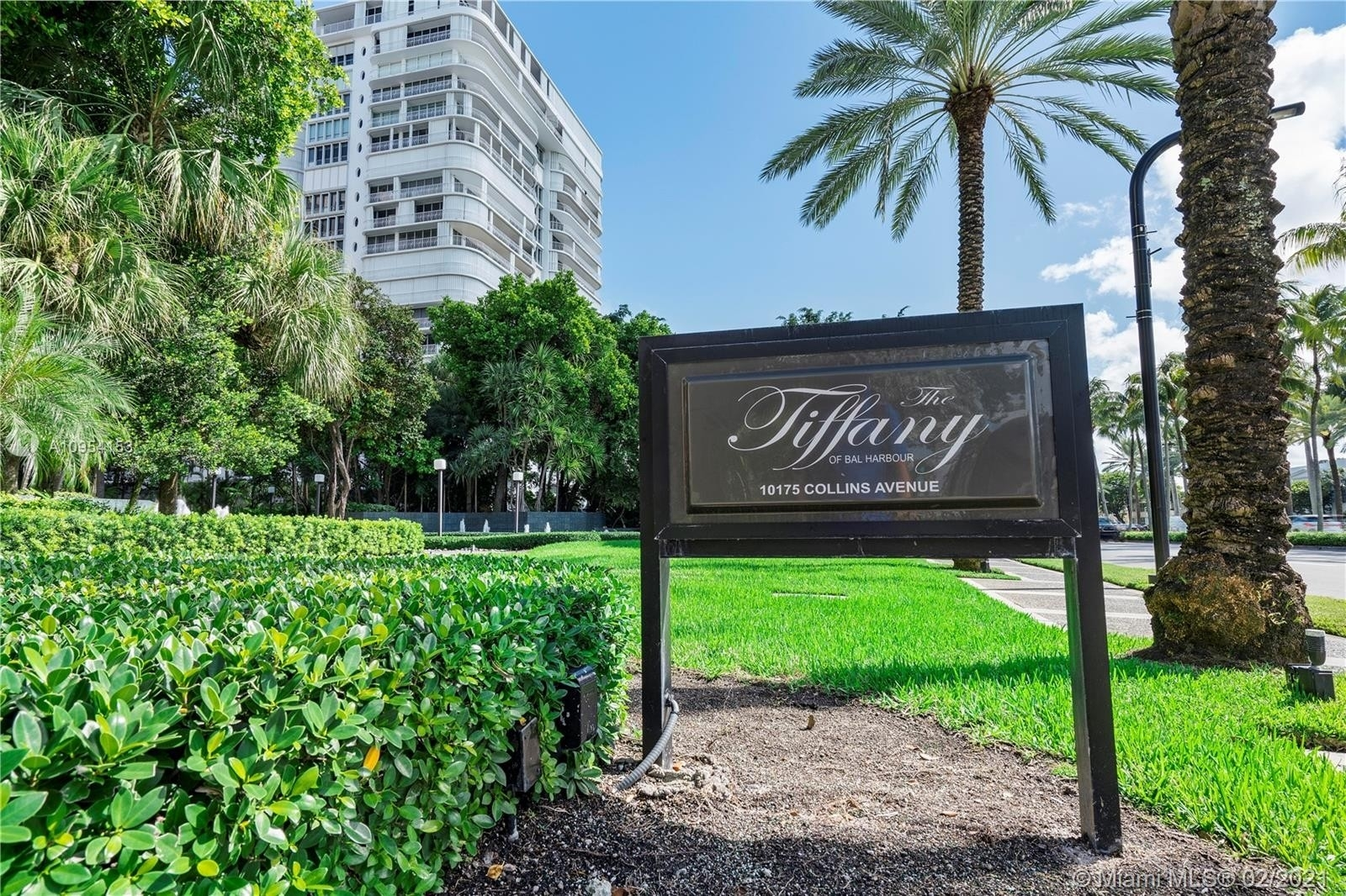 21. Condominiums for Sale at 10175 Collins Ave , 102 Bal Harbour, FL 33154