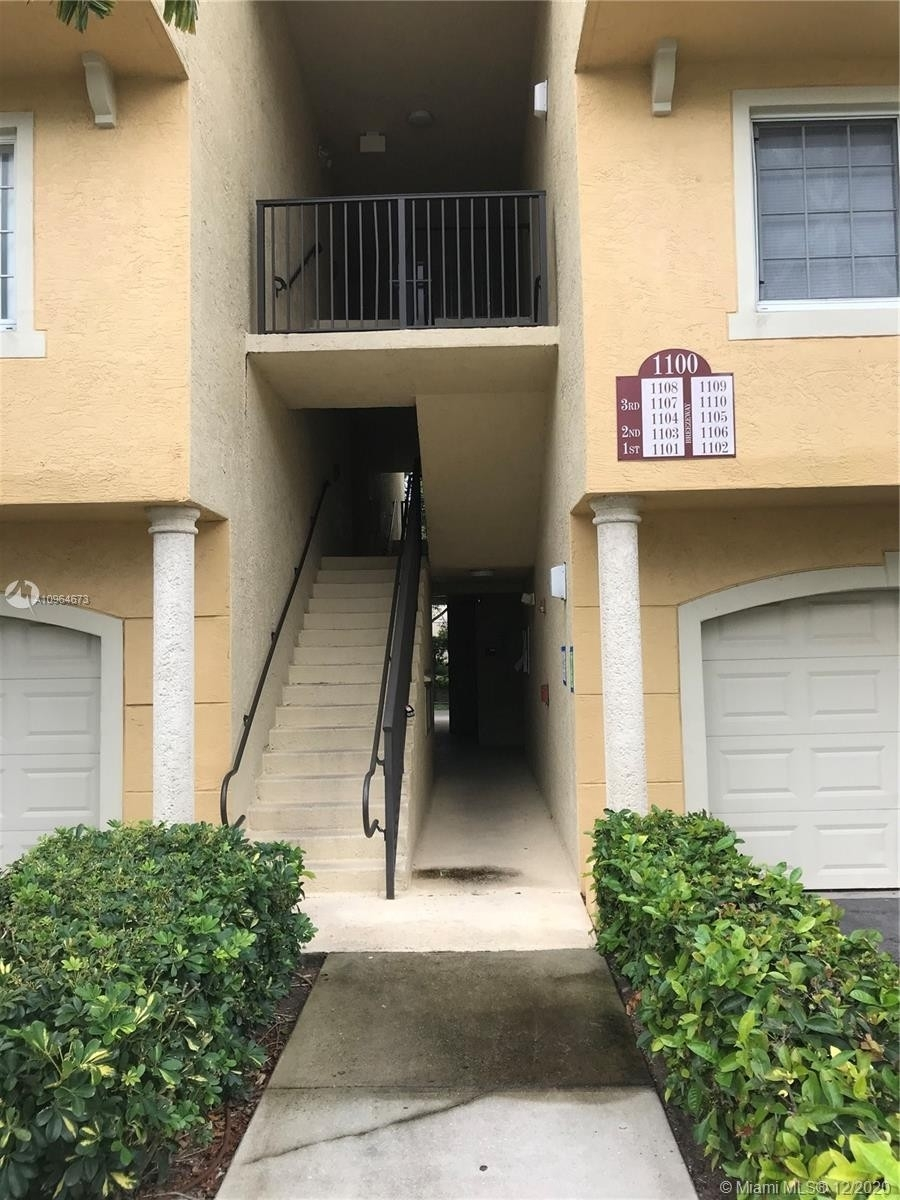 Condominium at 1100 S Crestwood Ct S , 1107 Crestwood, Royal Palm Beach, FL 33411