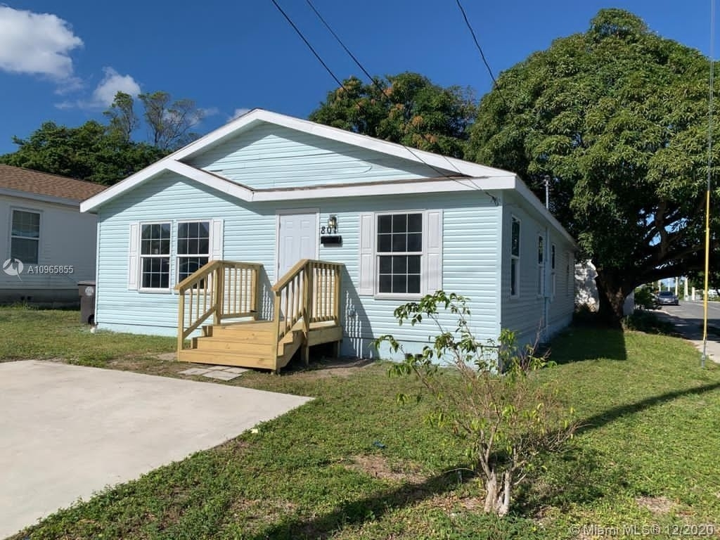 2. Single Family Homes por un Venta en Coleman Park, West Palm Beach, FL 33407