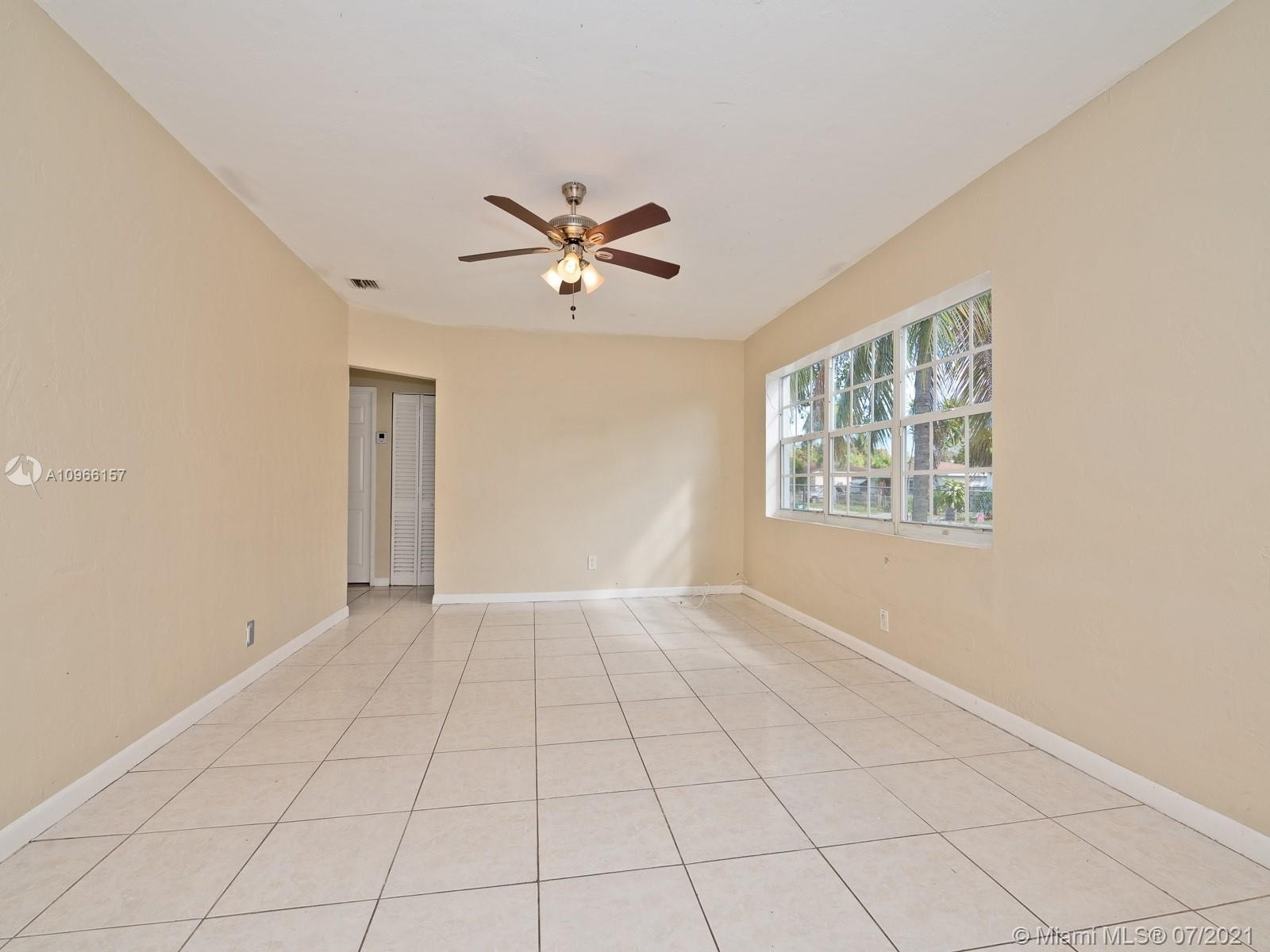 5. Single Family Homes for Sale at Fulford Highlands, Miami, FL 33162