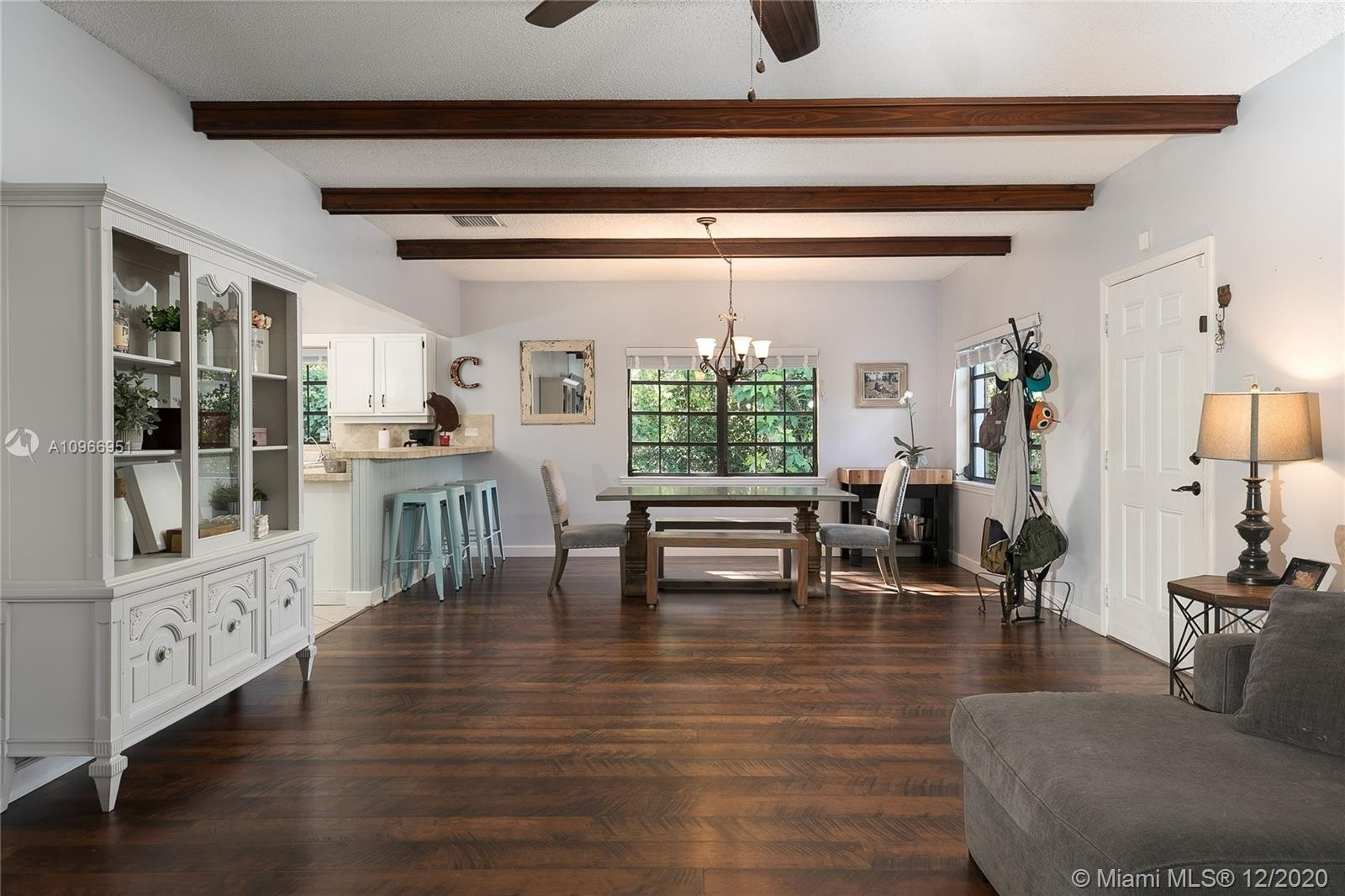Maison unifamiliale pour l Vente à Bahia Mar Estates, Key Largo, FL 33037