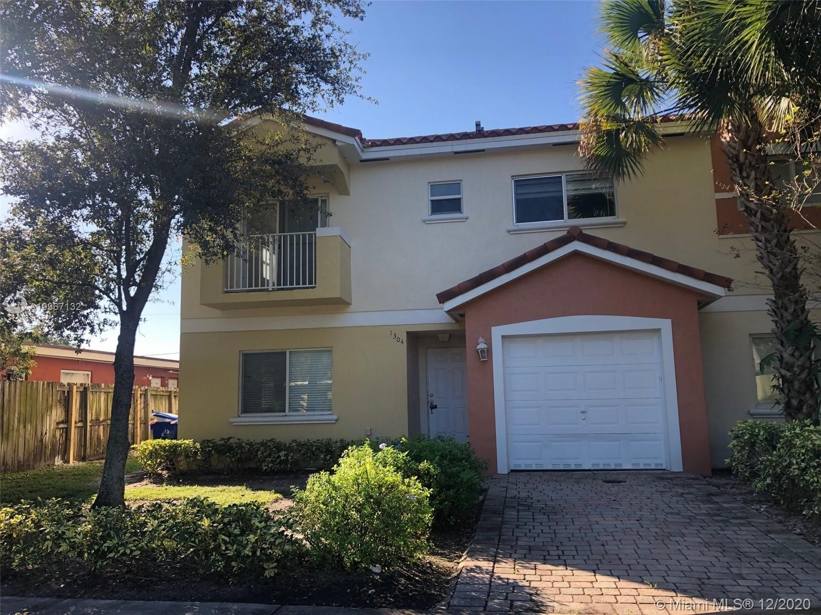 Single Family Townhouse for Sale at Seminole Forest, Fort Lauderdale, FL 33311