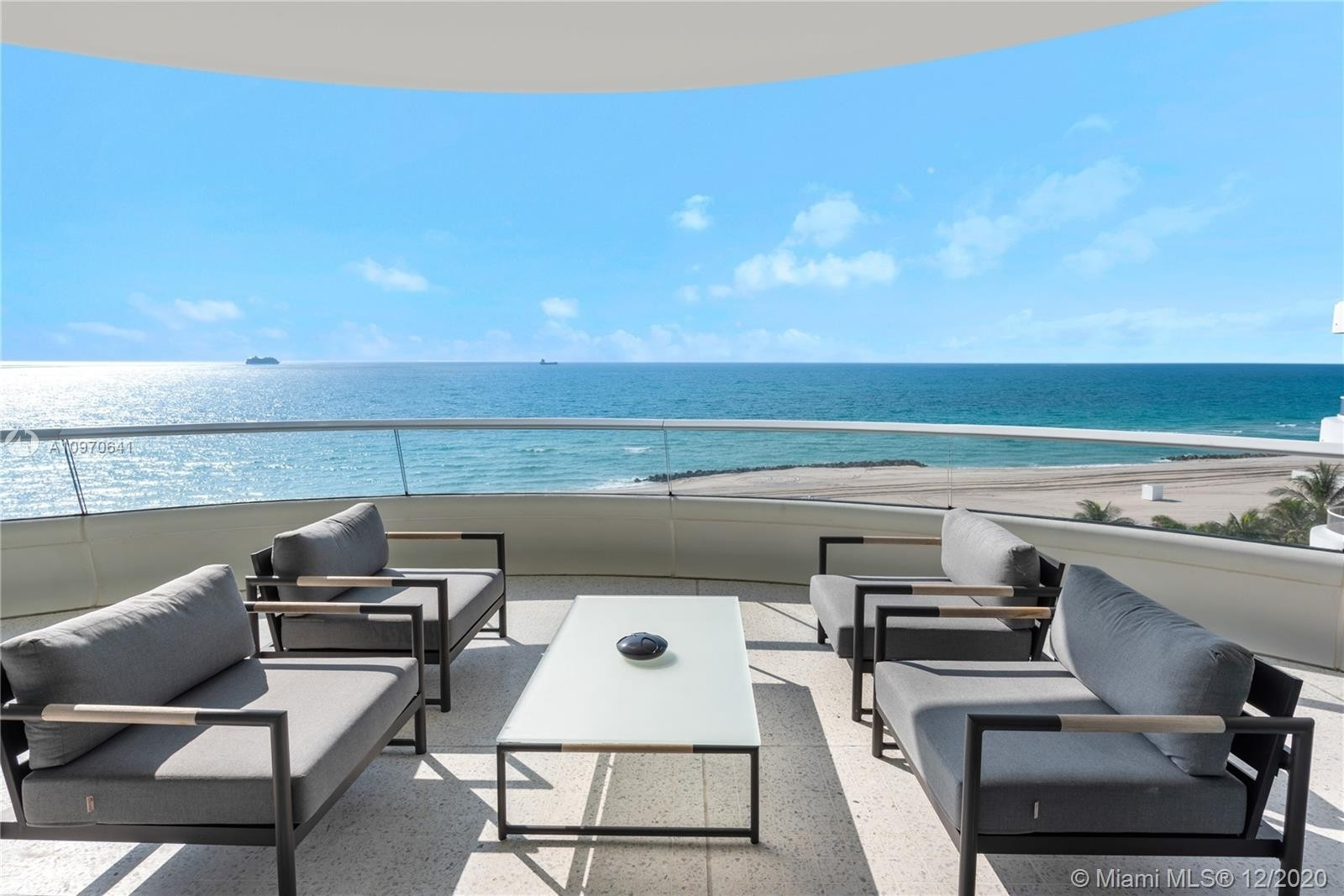 3. Condominiums for Sale at 3315 Collins Ave , 8B Ocean Front, Miami Beach, FL 33140