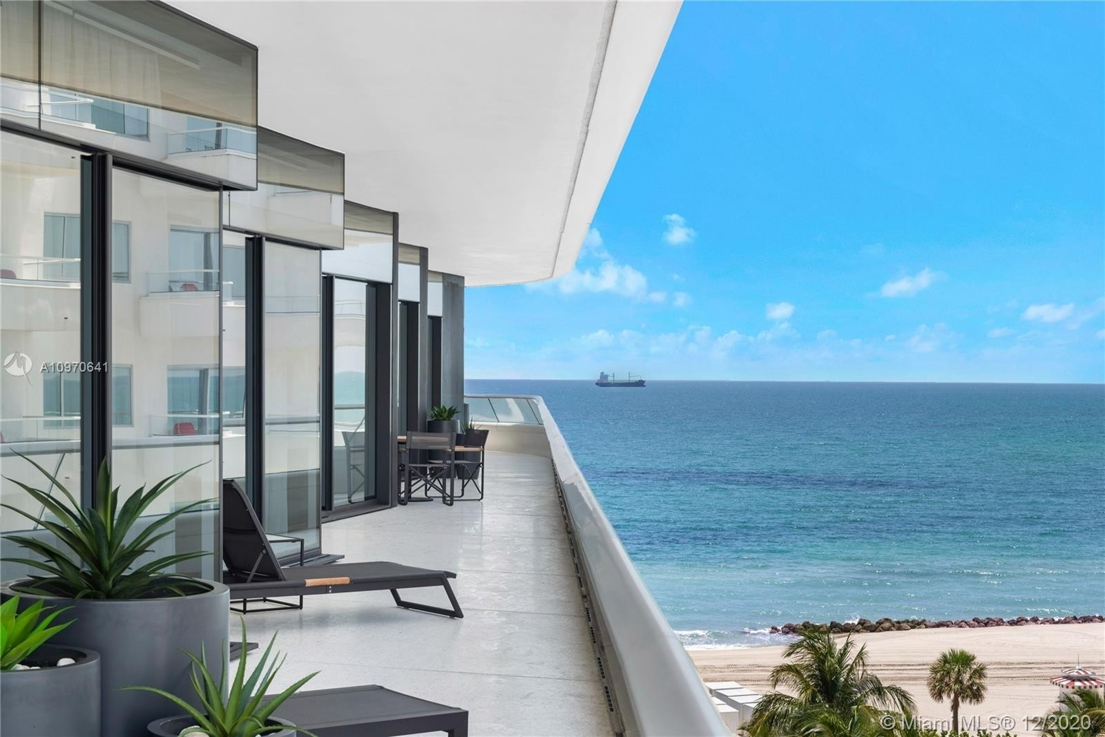11. Condominiums for Sale at 3315 Collins Ave , 8B Ocean Front, Miami Beach, FL 33140